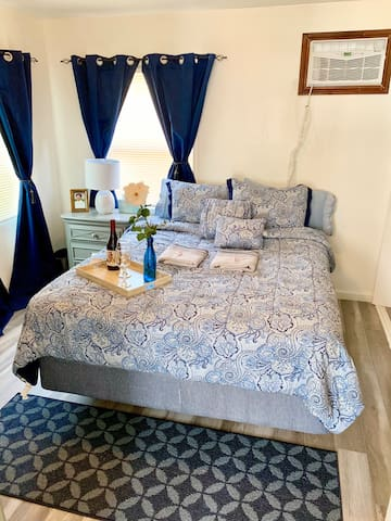 1 Bed Sweet Home Deluxe Plus!