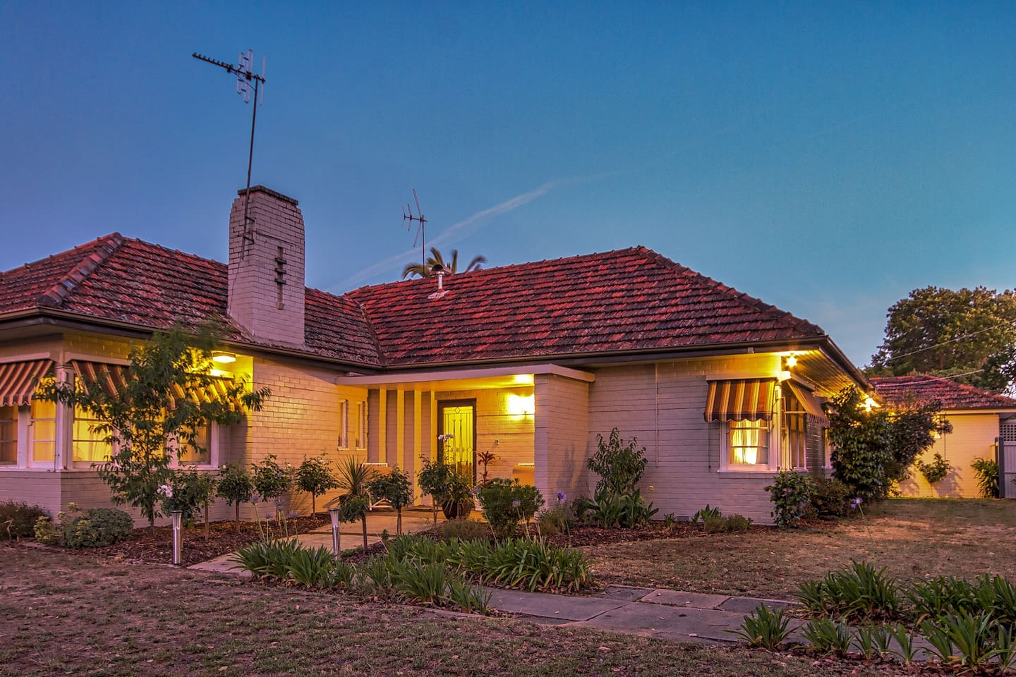 Benson House is a magnificent, spacious art deco home with all amenities