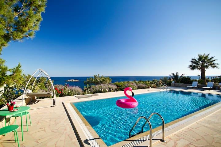Heaven Blue Luxury Villa, Magnificent Seaview