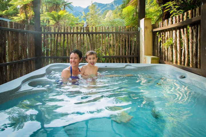 Gecko village hot tub