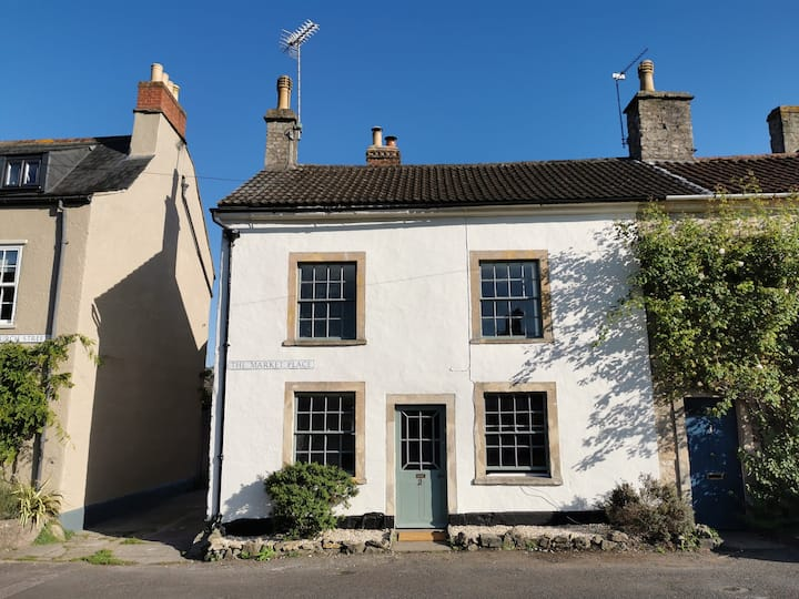 BEAUTIFUL GRADE II COTTAGE NUNNEY, FROME nr BRUTON