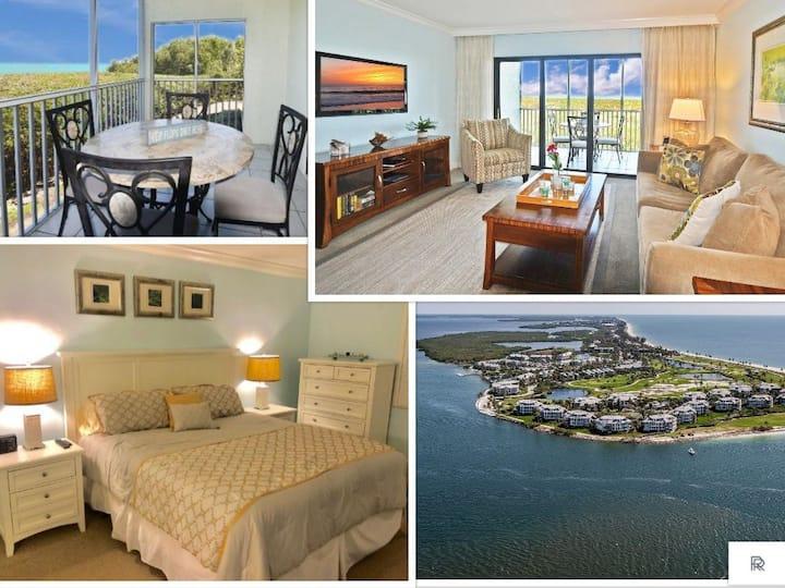 Modern Waterfront Villa in South Seas Resort
