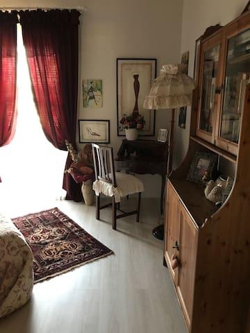 Particolare della camera da letto matrimoniale