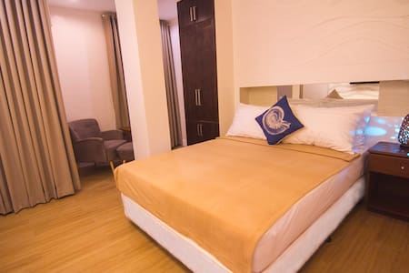 The Reef Hotel and Residences - Olongapo - Bed & Breakfast