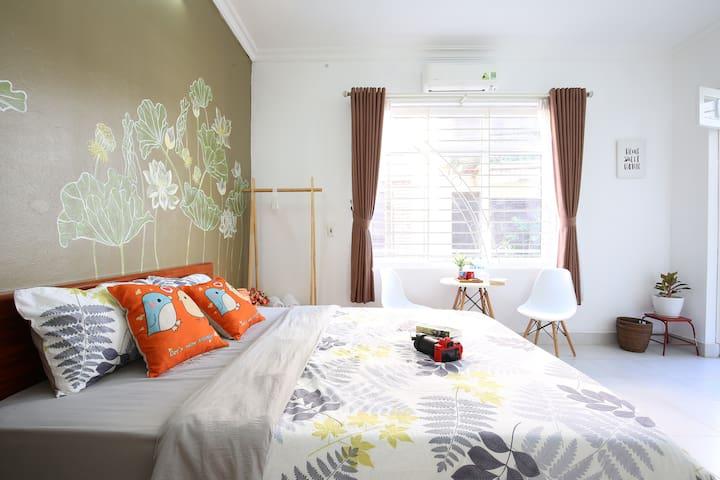 VITAMIN HOME ★ Red room~Balcony~Netflix~West lake
