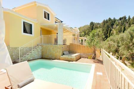 Luxury Private Pool Villa / Villas Muscalas , Elia - Lakka - วิลล่า