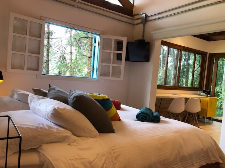 Casinha do Bosque: Charme, conforto e muito verde.