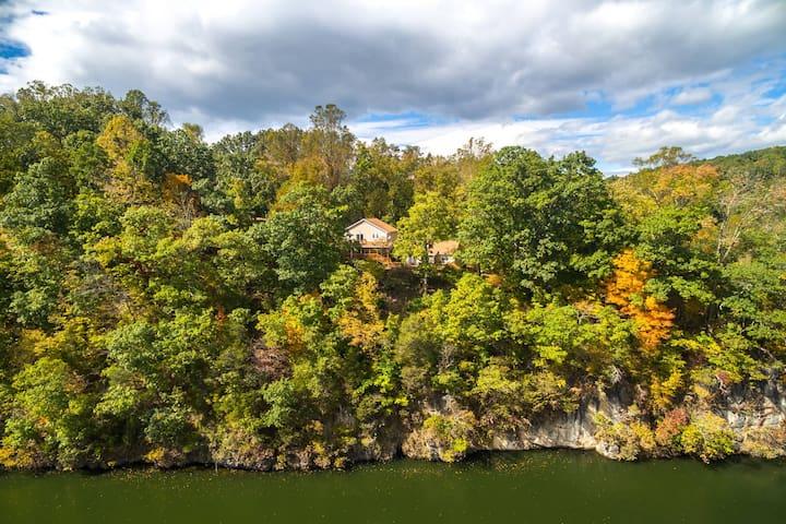 Jefferson Lodge on Claytor Lake/Near VT & Radford