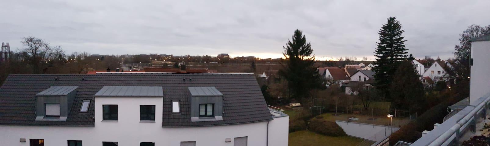 Fühl Dich wohl über den Dächern von Regensburg ;)