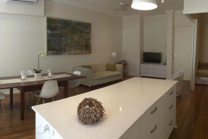Kitchen Island/Dining Area