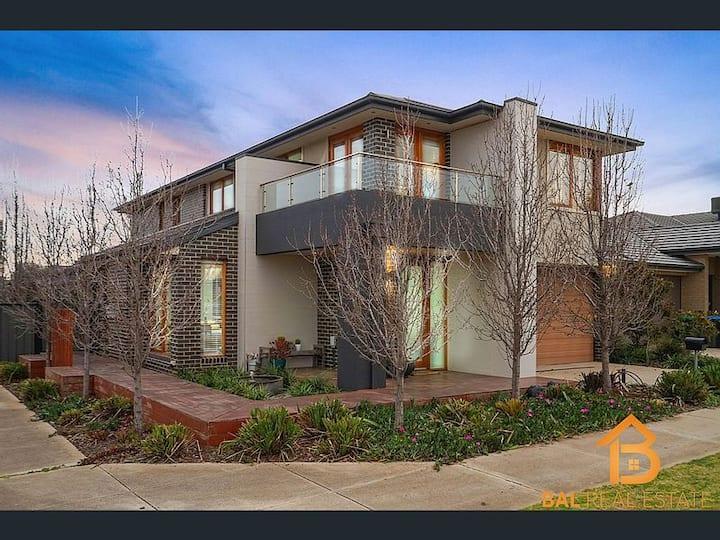 """Melbourne Family Home"""