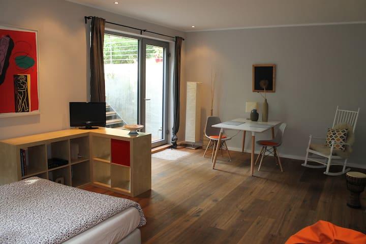 Schönes, ruhiges Apartment mit kleiner Terrasse