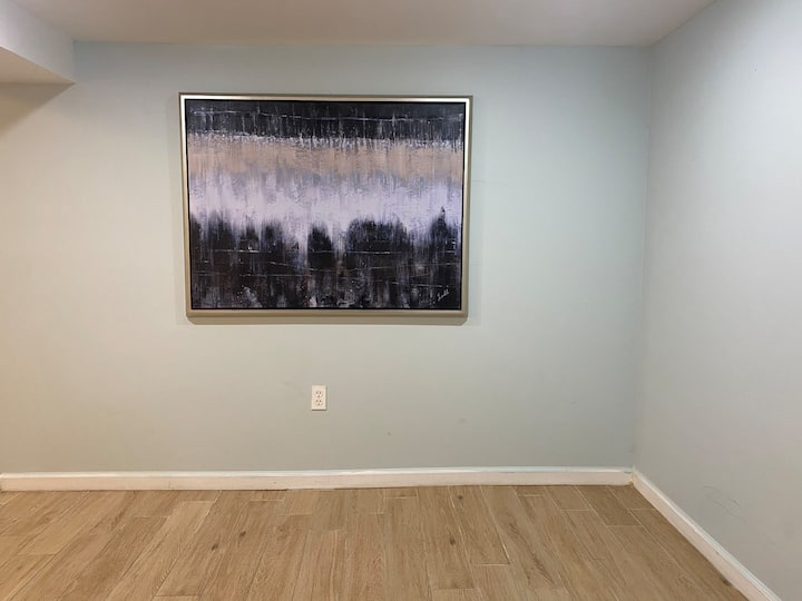 Use entire space Bronx cozy beautiful apartment .