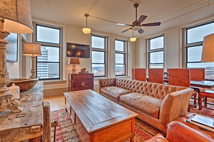 Luxury Knoxville Penthouse- Steps to Market Square