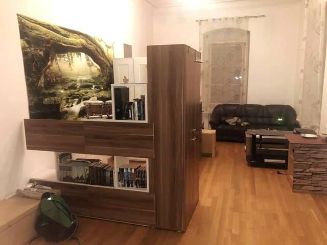 Große Wohnung mit Kachelofen und viel Platz