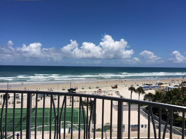 Ocean front Condo,Amazing Views 6se - Daytona Beach Shores - Condominium