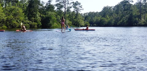 Kayaking paradise! Bring your boat Has boat dock!