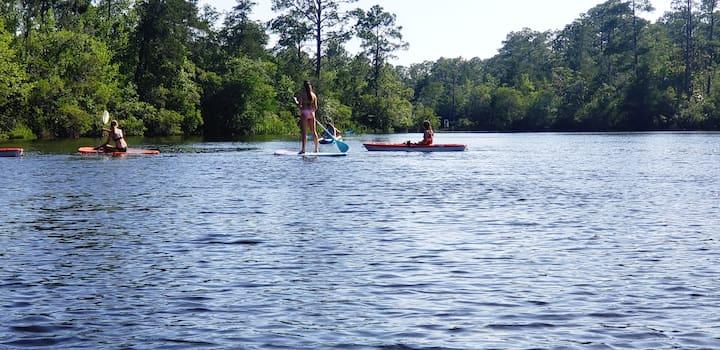 Kayaking paradise! Bring your boat Has boat dock!