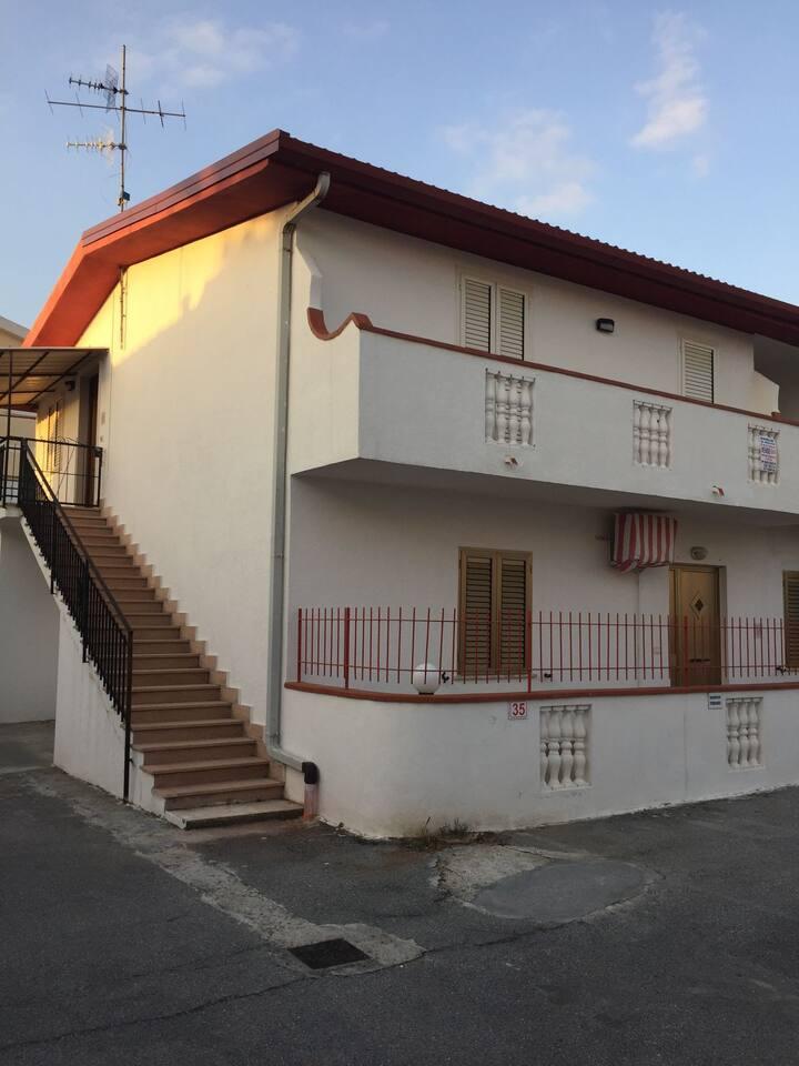 Appartamento Villaggio S. ANNA 450 mt dal mare