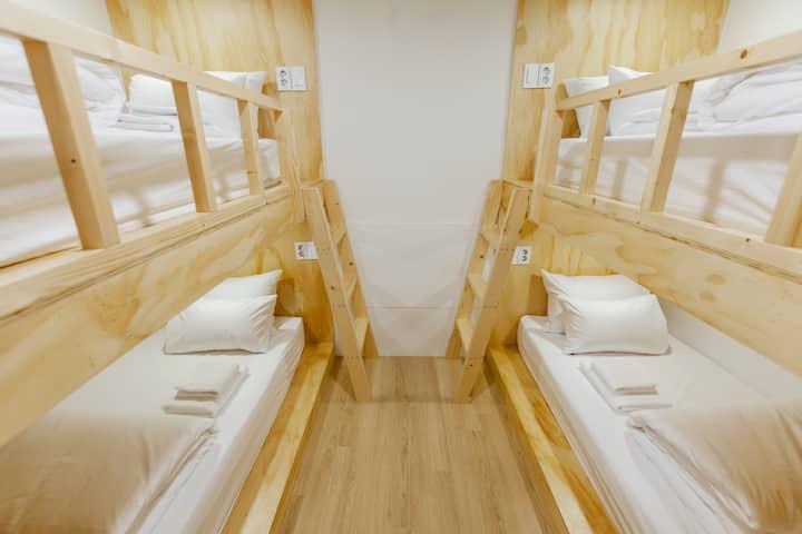 Female Dormitory(#4) - 여성전용 4인 도미토리. 명동중심에 위치.
