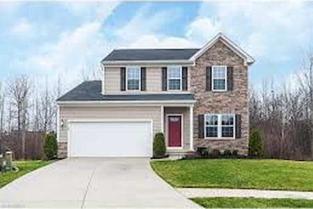 Family-friendly, culdesac home - North Ridgeville - Huis