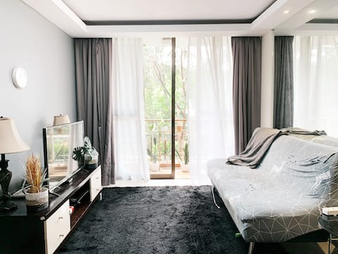 Spacious Apartment with garden view in Kuningan