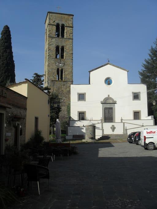 La piazza del borgo