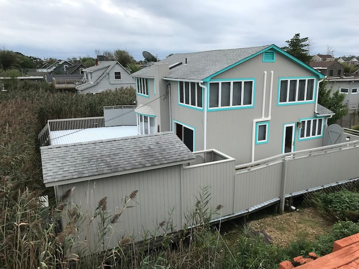 Fire Island 4BR with Ocean Bay Views and Huge Deck