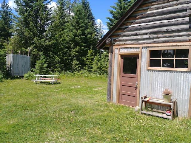 The Bunkhouse at Laissez-faire Homestead