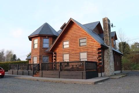 Unique, log cabin, Lakeside home in Cavan.