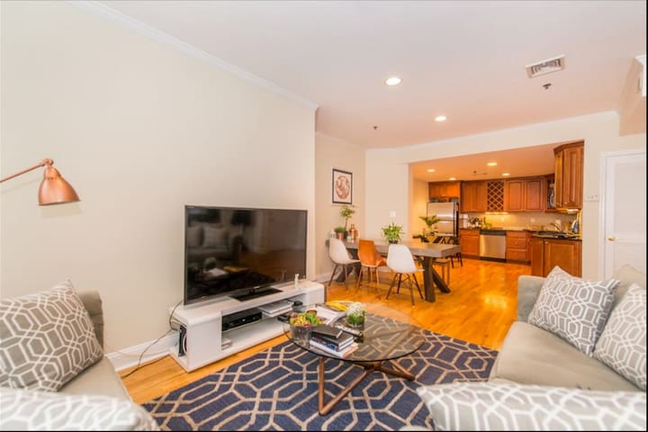 Beautiful room in apartment 15-20 minutes from NYC - Hoboken - Appartement