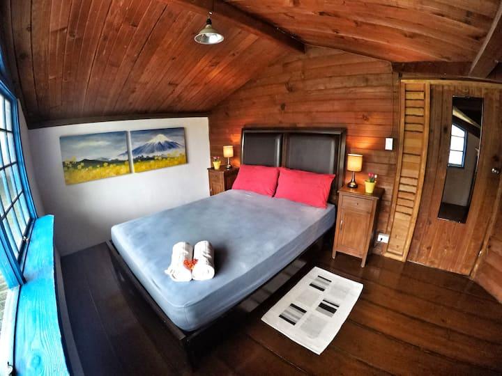 PRIVATE ROOM - Caribbean Beachfront Getaway