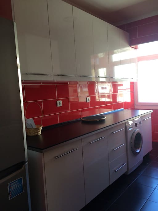 Cuisine équipée , lave linge / cozinha equipada, maquina de lavar a roupa