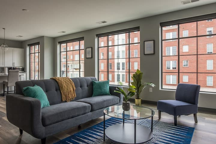 Bright + Open Loft Near The River & Commons
