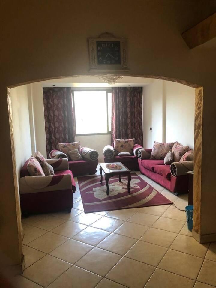 Lägenheten som ligger nära britshcansel iAgouza