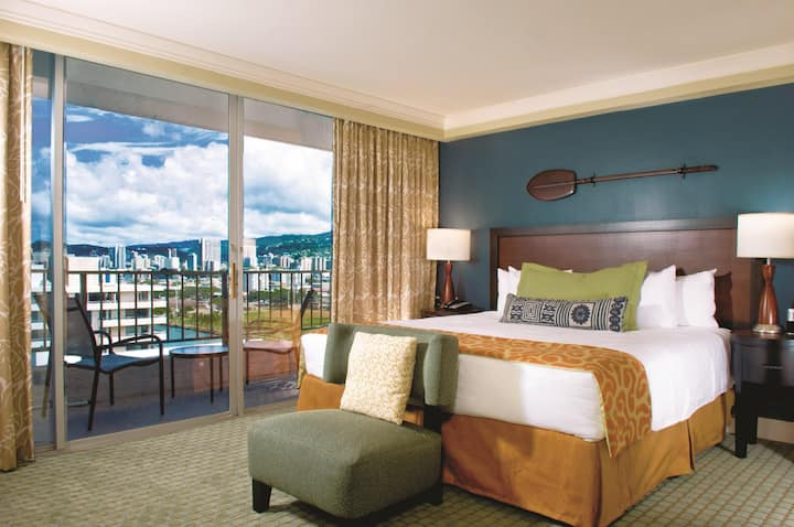 Wyndham Vacation Resorts Royal Garden at Waikiki - Standard Room WVR