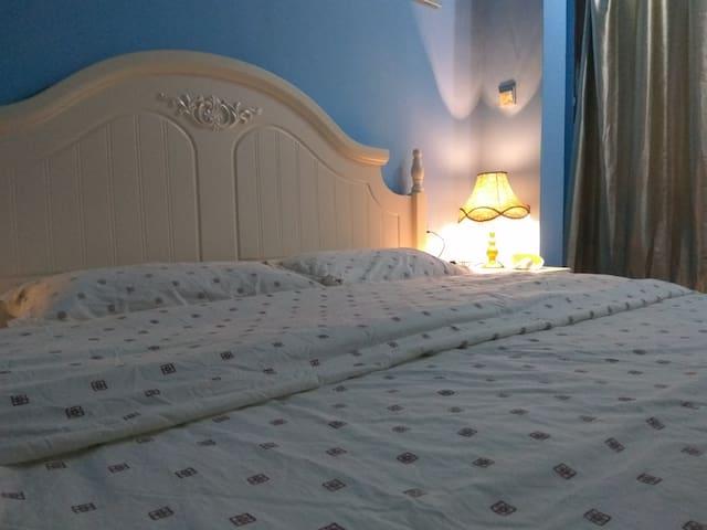 八卦楼大床房 - Xiamen - House