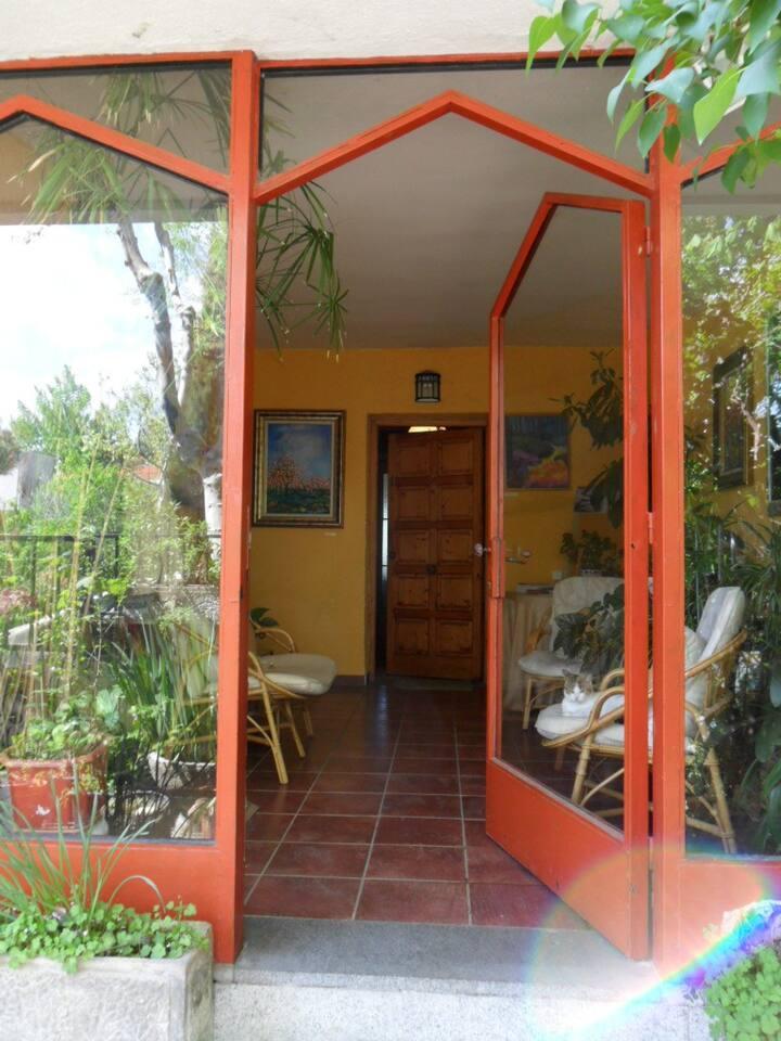 Habitación con baño Individual y Piscina