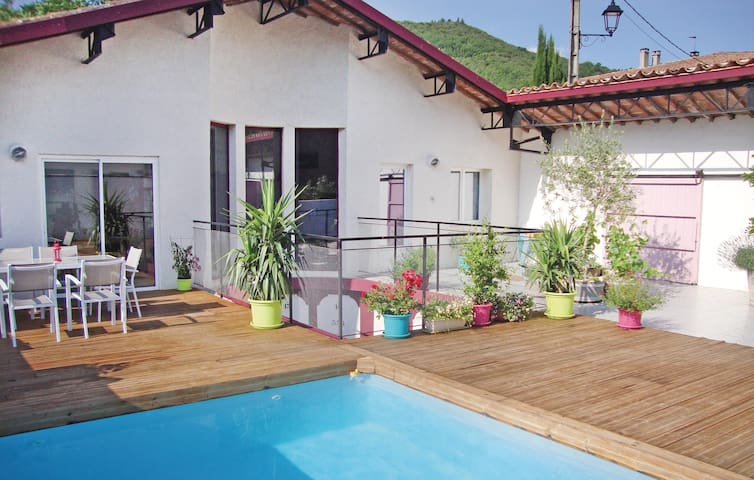 Holiday cottage with 3 bedrooms on 120 m² in Aude