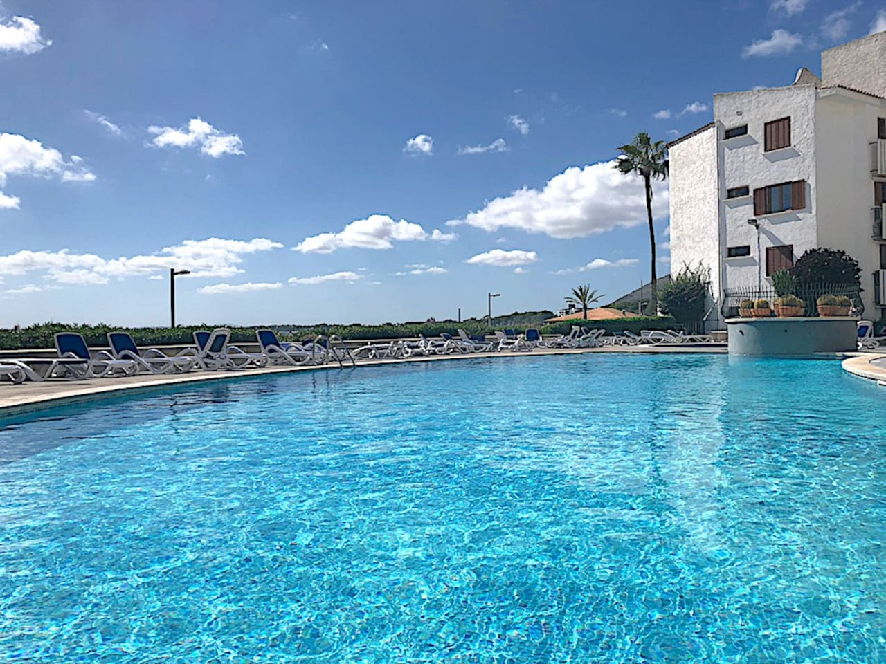 Alcudia Bella 2, private terrace, 2 bedrooms and shared Pool
