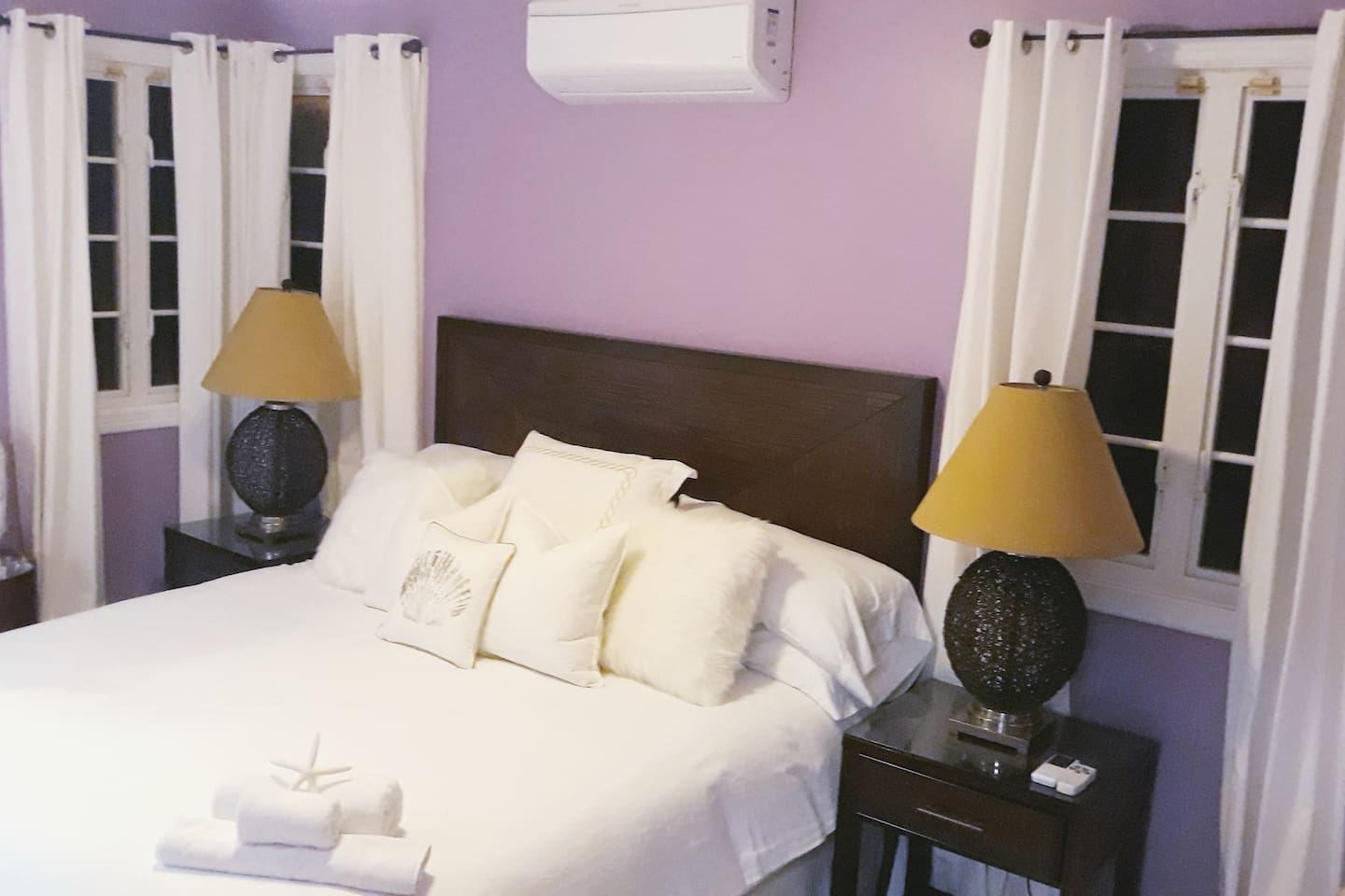 Private Room equipped with King Sized bed, Sitting Area, ceiling fan, A/c unit, Fridge, large walkin closet and private        ensuite bathroom.