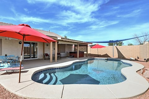 Stress-Free Casa Grande House w/ Pool & Hot Tub!