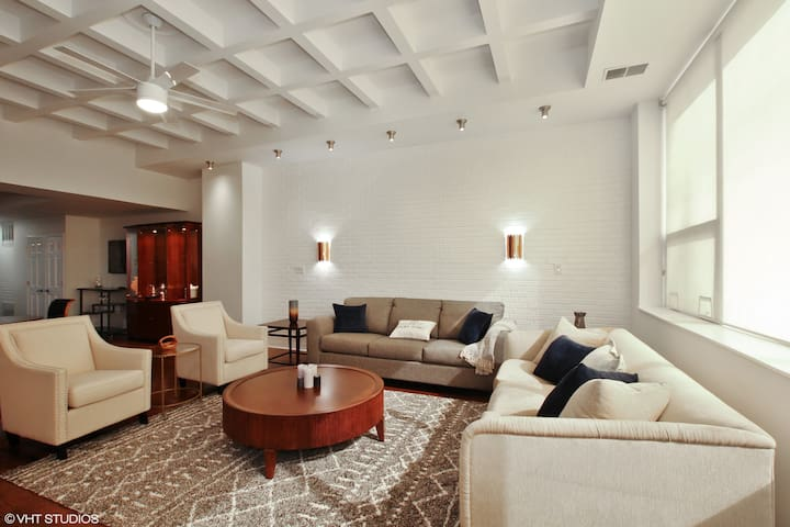 Domio | South Loop | Lavish 2BR