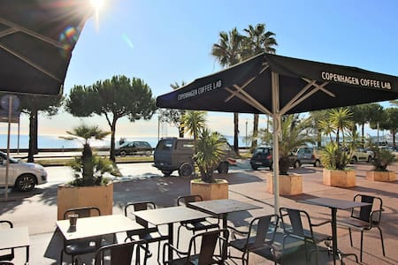 Grand Studio 32m² - Bord de Mer- Parking