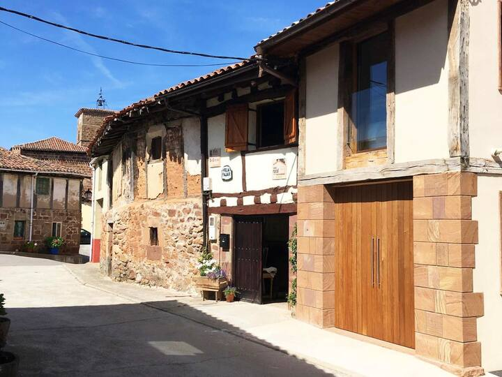 House with 4 bedrooms in Villasur de Herreros, with wonderful lake view, furnished garden and WiFi