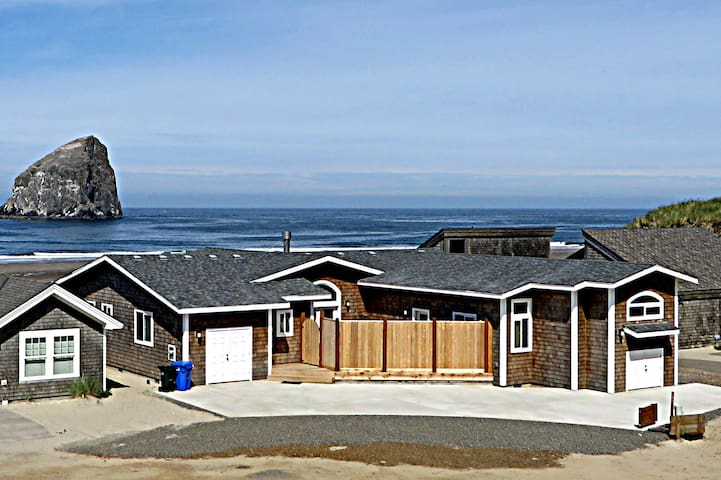 BRAND NEW luxury oceanfront! - Pacific City - House