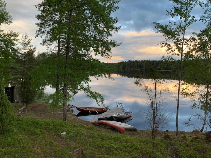 Ekeberg, Totalrenoverat hus beläget vid Lillsjön