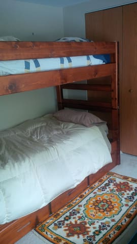 Additional beds available: with Airbnb reservation