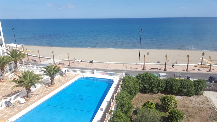 Beach Penthouse - 2bed / 2bath - Up to 6 guests - Fuengirola - Apartment