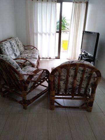 Apartamento em Peruíbe - com 3  quartos e piscina